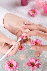 Современное наращивания ногтей
