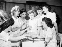 История наращивания ногтей